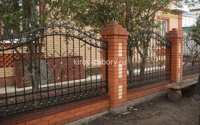 строительство заборов с ковкой в Кирове