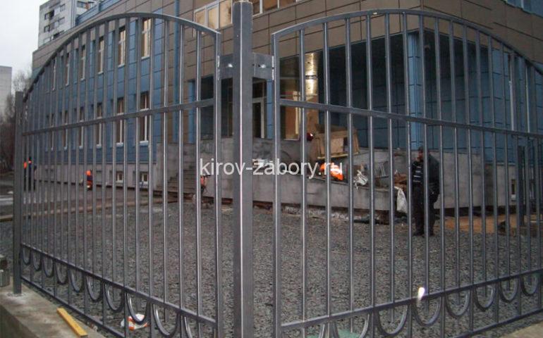 забор из профтрубы в Кирове