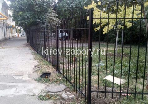 изготовление забора из профильной трубы в Кирове
